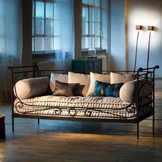 Sofa Glanum 100x200x90 €1500
