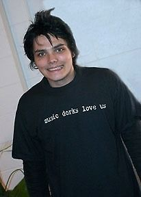 Haha I do love you guys! Guess I'm a music dork, I am a bit of one when it comes to mcr, well, a lot. Gerard Way, My Chemical Romance, Emo Bands, Music Bands, Music Stuff, My Music, Music Mood, Music Life, I Fall Apart