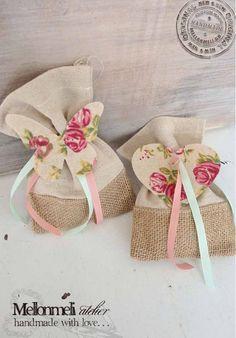 Μπομπονιέρα floral πουγκία Burlap, Baby Shoes, Reusable Tote Bags, Gift Wrapping, Kids, Wrapping, Gift Wrapping Paper, Young Children, Boys