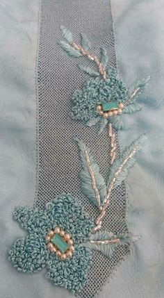 Beginner's Guide to Silk Ribbon Embroidery (Search Press Classics) - Embroidery Design Guide Embroidery Neck Designs, Bead Embroidery Patterns, Hand Work Embroidery, Beaded Embroidery, Embroidery Stitches, Machine Embroidery, Zardosi Embroidery, Couture Embroidery, Embroidery Fashion