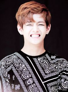 V taehyung KIM bts bangtan boys cute smile laugh no more dream era brown hair