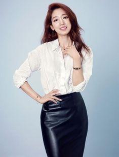 Park Shin Hye Endorses Agatha Paris | Koogle TV