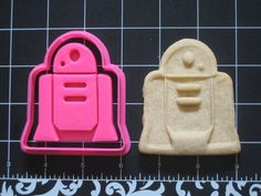 R2D2 Cookie Cutter Stamp Set Star Wars Pink BPA FREE | Unique Cookie Cutters