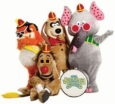 """announced Tuesday that the classic children's TV characters """"The Banana Splits"""" are returning this year in a new horror movie. 80s Kids Tv Shows, Banana Splits Tv Show, Split Movie, Newest Horror Movies, One Banana, Cultura Pop, Classic Tv, Childhood Memories, Favorite Tv Shows"""