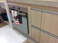 Olá pessoal.... Gostaria de mostrar 3 coisinhas que fizemos na cozinha e que eu super recomendo. Escorredor de louças embutido...prático...