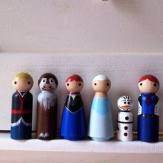 Frozen Full set of 6 Olaf Princess Anna and Queen by PegBuddies