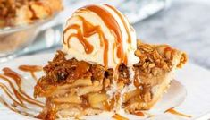 This caramel apple crisp pie is the perfect dessert when you can't decide between apple pie and apple crisp - just make both! Homemade Pie Crusts, Pie Crust Recipes, Pastry Recipes, Baking Recipes, Apple Crisp Pie, Caramel Apple Crisp, Caramel Apples, No Bake Desserts, Dessert Recipes