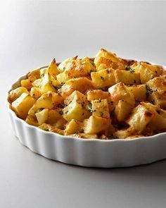 Gourmet cooking was never so easy. New Orleans famous dish boasts potatoes covered in creamy cheese sauce with a hint of peppers; a scrumptious side for turkey, roast or ham. Potato Dishes, Potato Recipes, Vegetable Recipes, Cajun Potatoes, Potatoes Au Gratin, Greek Cooking, Gourmet Cooking, Cookbook Recipes, Cooking Recipes