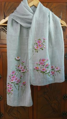 The pink color makes spring seem to be coming. Fabric Painting On Clothes, Fabric Paint Shirt, Dress Painting, Painted Clothes, Silk Painting, Saree Painting Designs, Fabric Paint Designs, Hand Embroidery Designs, Embroidery Stitches