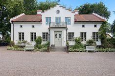 Farm Cottage, Swedish House, Scandinavian Home, Apartments For Sale, House Goals, Exterior Design, Future House, Facade, Beautiful Homes