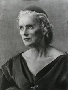 Old women Annigoni