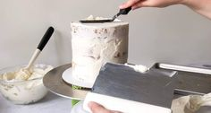 How to Fill, Stack & Crumb Coat a Layered Cake - XO, Katie Rosario Creative Cake Decorating, Cake Decorating Supplies, Cake Decorating Techniques, Creative Cakes, Fondant Flower Cake, Fondant Cakes, Fondant Baby, Fondant Rose, Marshmallow Fondant