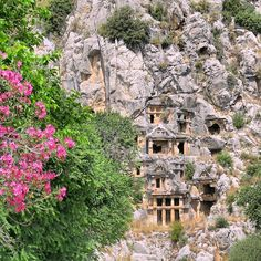 Die Felsengräber in den Ruinen von Myra der antiken Stadt in der die historische Figur hinter Santa Claus Väterchen Frost und Nikolaus lebte.