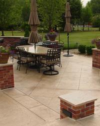 tan-squared-patio-brick-pillars-qc-construction-products_5036.jpg 200×250 pixels