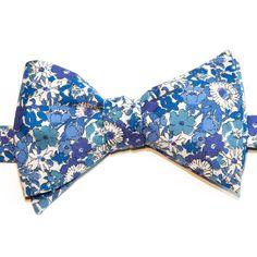 Noeud papillon Le Colonel Moutarde Liberty of London Modèle Cavendish Bleu