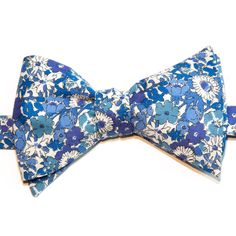 Noeud papillon Le Colonel Moutarde Liberty of London Modèle Cavendish Bleu Blue Cavendish Liberty bow tie