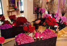 Saint Valentin Jeff Leatham Directeur Artistique Four seasons Small Bouquet, Rose Bouquet, Floral Bouquets, Floral Wreath, Floral Arrangement Classes, Floral Arrangements, Hotel Four Seasons, St Georges Hotel, Jeff Leatham