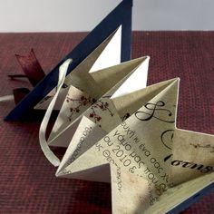 Προσκλητήριο πολυτελείας σε σχέδιο Origami τρίγωνο. Υπέροχο και συνάμα μοναδικό σχέδιο καλέσματος.