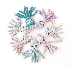 DIY – Sangkuffert – lineskrea.dk Crochet Bib, Free Crochet, Amigurumi Patterns, Crochet Patterns, Diy Baby, Dream Catcher, Free Pattern, Design, Tejidos