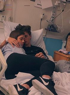 Relationship Goals & Relationship Goals 40 Couple goals Pics & bucket list for 2020 that'll make you believe in fairy tales – Hike n Dip Cute Couples Beaux Couples, Cute Couples Photos, Cute Couple Pictures, Cute Couples Goals, Freaky Pictures, Love Pics, Tumblr Cute Couple, Boyfriend Girlfriend Pictures, Cute Young Couples