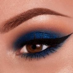 Choose the right eye makeup looks for your eye color! There are a lot of great ideas in our article!!!