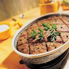Receita de Quibe de Forno Recheado do Edu Guedes - ½ kg de trigo para quibe, 1 litro de água quente, 1 kg de carne moída, 1 cebola média ralada, ½ xícara (ch...
