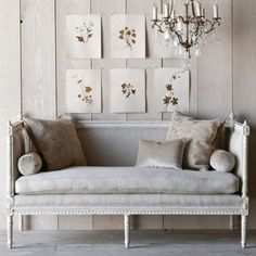 Rustic French Living Room Ideas Awesome Eloquence Swedish Antique White Settee On Laylagrayce Com Fresh Table Doors Interior Wall Decor Swedish Decor, Swedish Style, Swedish Design, Scandinavian Design, Swedish Cottage, French Style, Cottage Chic, Painted Furniture, Furniture Design