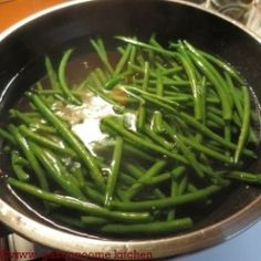 Poêlée de haricots verts et pommes de terre | | Gastronoome Kitchen Green Beans, Vegetables, Recipes, Food, Green Beans And Potatoes, Grilled Fish, Diabetic Recipes, Croque Monsieur, Recipies