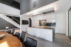 Interieur - Engelshove Bauhaus, Bungalow, Table, Furniture, Website, Design, Home Decor, House Interiors, Simple Elegance