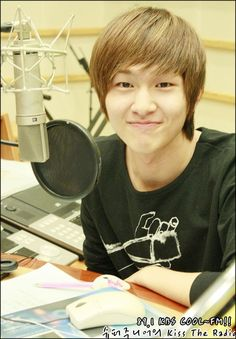 Time for Onew spams. Our leader. He works sooo hard nonstop. Sm pushes and pushes him. All the members are pushed but Onew oppa the most. I would say down with sme but they have made it possible for our oppas to fulfill their dreams. I just hope if us as fans can continue fight for SHINee oppas right so they won't become like TVXQ. FIGHTING! love you onew oppa!