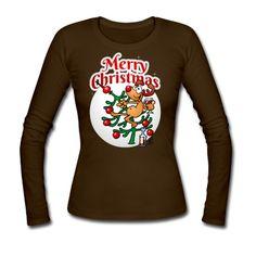 Ein Rentier in einem Weihnachtsbaum - Merry Christmas Langarm-Shirt. A reindeer in a Christmas tree longsleeve shirt. #Spreadshirt #Cardvibes #Tekenaartje #reindeer #Christmas #SOLD