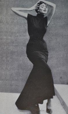 Balenciaga,1950 para la revista Harper's Bazaar. Fotógrafo Richard Avedon (1923-2004)