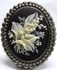 Vintage-Style-Lily-of-the-Valley-Cameo-Brooch-Pendant