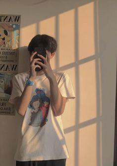 Cute Lightskinned Boys, Young Cute Boys, Cute Boys Images, Cute Korean Boys, Cute Teenage Boys, Cute Guys, Portrait Photography Men, Couple Photography Poses, Asian Boy Haircuts