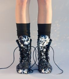 Fabulous combat boots - I will wear anything that sparkles Electric Daisy Carnival, Sock Shoes, Shoe Boots, Cool High Tops, We Heart It, Glitter Fashion, Shoe Show, Swagg, Passion For Fashion