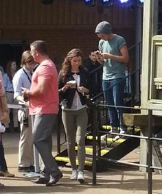 Louis and Eleanor at the Harry Potter studio in London >>> her outfit is awesome!!