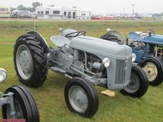 Ford with rubber tires. Tractor Photos, Ford Tractors, Vintage Tractors, Rubber Tires, Motors, Antique Cars, Clever, Boat, Tractors