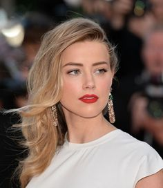 Amber Heard in a killer Nars red lip