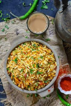 Jhal Muri is a popular street food of Kolkata made using puffed rice. The pungent taste of raw mustard oil makes it quite unique. Appetizer Recipes, Dessert Recipes, Appetizers, Appetizer Ideas, Keto Friendly Desserts, Low Carb Desserts, Chats Recipe, Puffed Rice, Tea Time Snacks
