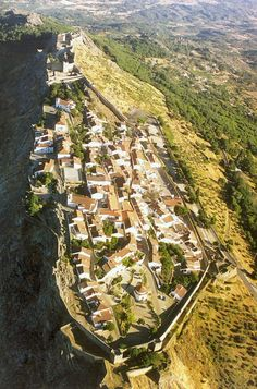 marvao village by BOUTIQUE HOTEL POEJO MARVAO, via Flickr, Alentejo, Portugal #visitalentejo #marvao