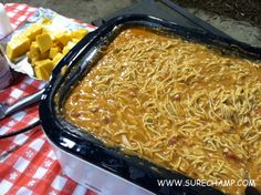 The Ranch Kitchen: The Ranch Kitchen's Chicken Spaghetti For A Crowd. One of my most requested recipes. Oven Chicken, Ranch Chicken, Canned Chicken, Crockpot Recipes, Chicken Recipes, Cooking Recipes, Bulk Cooking, Crockpot Dishes, Skillet Recipes