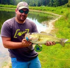 Daniel and Bass on the fly Fishing Boats, Fly Fishing, Fly Reels, Largemouth Bass, Photo Contest, It Cast, Diving, Pond, Deer