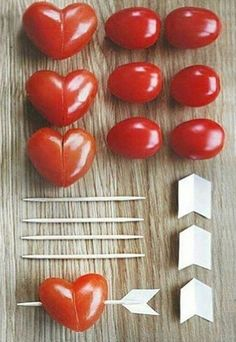 Dukningstips till Alla-Hjärtans-Dag (Trendenser) – Cook It Valentine's Day Food Valentines Day Food, Valentines Dinner Recipes, Valentine Hearts, Cute Food, Yummy Food, Snacks Für Party, Party Appetizers, Christmas Appetizers, Party Desserts