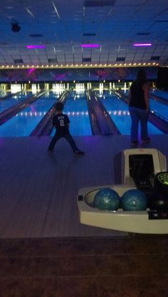 Midnight bowling with Kahlen