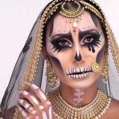 Beautiful Halloween Makeup, Halloween Eye Makeup, Halloween Kostüm, Halloween Costumes, Creative Eye Makeup, Eye Makeup Art, Gold Makeup, Cosplay Makeup, Costume Makeup