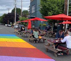 Portland, Oregon. Cierre de calles para ayudar a las empresas locales a hacer frente a COVID y tener más espacio. Portland Oregon, Street View, Outdoor Decor, Street, Urban, Space, Cities