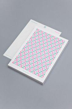 Diseño de la identidad visual de TextielMuseum y TextielLab, por Raw Color   Experimenta