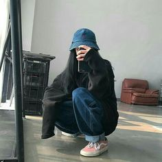 korean street fashion Image may contain: one or mo - Indie Outfits, Edgy Outfits, Retro Outfits, Cute Casual Outfits, Mom Outfits, Casual Korean Outfits, Tomboyish Outfits, Korean Casual, Converse Outfits