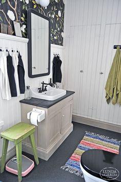 L U N D A G Å R D   inredning, familjeliv, byggnadsvård, lantliv, vintage, färg & form: Om vårt hus