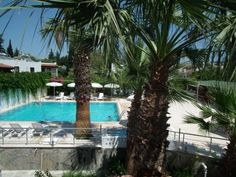 Dream Apart Bitez Bitez Located 10 km from Bodrum, in the heart of Bitez, Dream Apart Bitez offers spacious rooms and free Wi-Fi. Just 100 metres away from the seaside, it features an outdoor pool.